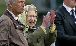 Coronavirus: The Queen shares clapping ...