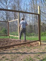 Building A Vegetable Garden Fence Video And Photos Madlonsbigbear Com