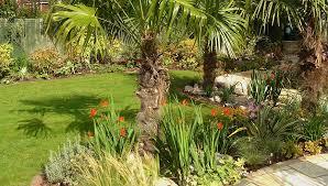 small tropical garden ideas uk pdf