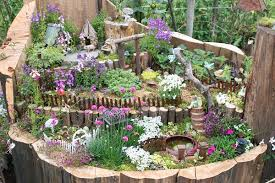 tree stump ideas for the garden
