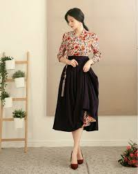 Modern hanbok Images?q=tbn%3AANd9GcQzqm_HqxyBlZNLUaJCeGGBztkGDjYWx-WrT6xGPm1Czy9jjNGs