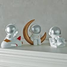 2020 Nordic Style 3d Astronaut Figurines Home Decoration Crafts Moon Miniatures House Decor Planet Decorations For Kids Room Gifts From Zhenrubusiness 99 54 Dhgate Com