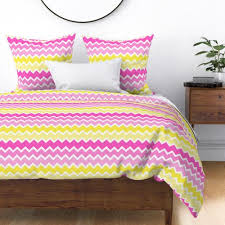 hot pink yellow ombre chevron zigzag