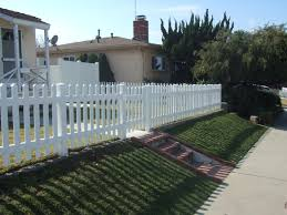 Picket Fences Gng Vinyl Fencing And Patio Covers