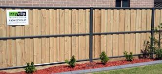 Fencing M G Build At Mulgoa Rise
