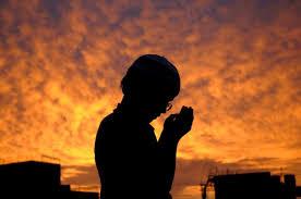 tiga versi doa tahun baru khasiat dan tata caranya