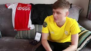 Zuzana Martinkova of UWSNewsroom Speaks To FIFA Esports player Adam Ryan  From Team Bundled - YouTube