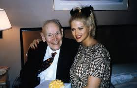 How Anna Nicole Smith Ended Up Marrying an 89-year-old