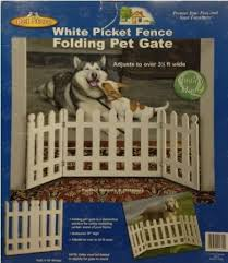 Folding White Picket Fence Pet Gate Adjusts To Over 3 1 2 Ft Wide Amazon Ca Baby