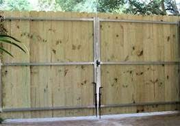 8 Foot Privacy Fence With Double Gate Bing Images Wrought Iron Driveway Gates Driveway Gate Diy Driveway Gate