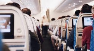IATA explica el riesgo de contagio de Covid-19 en un avión