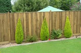 How To Construct A Feather Edge Fence In Your Garden