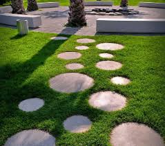 natural stones ideas for your outfield