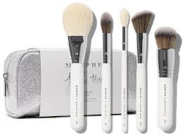 try out these three makeup brush sets