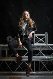 black leather jacket jeans and t shirt