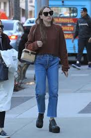 Sarah Sutherland: Christmas shopping in Beverly Hills -02   GotCeleb