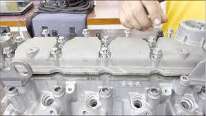Na retífica: reparação do cabeçote do motor EA 111 1.6 da ...