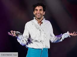 PHOTO Mika confiné, le chanteur se lance dans une surprenante ...