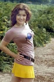 Deborah Watling. Ah, she's so cute! =) | Doctor who, Doctor who ...