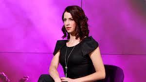 Portrait - Abby Martin, l'activisme au service de l'anti ...
