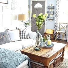 how to decorate a square coffee table