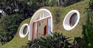 biotekt une maison de hobbit écolo