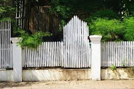 874 White Picket Fence Gate Photos Free Royalty Free Stock Photos From Dreamstime