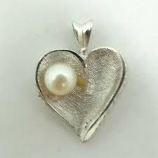 14k white gold pearl heart pendant