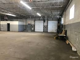 6 000 sq foot warehouse outside of
