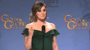 Rachel Bloom: Golden Globe Awards Backstage Interview (2016) - YouTube