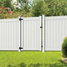 Freedom Emblem 6 Ft H X 4 Ft W White Vinyl Flat Top Fence Gate In The Vinyl Fence Gates Department At Lowes Com
