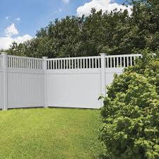 Portsmouth 6x8 Closed Top Vinyl Fence Kit Vinyl Fence Freedom Outdoor Living For Lowes Vinyl Fence Backyard Fences Fence Design