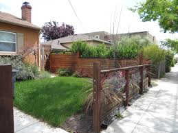 Modern Low Fence With Wood At Bottom Horizontal Wires And Nice Metal Details House Fence Design Patio Fence Fence Design