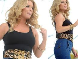 Jessica Simpson: This Is How She Rolls
