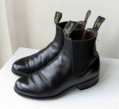 womens black leather chelsea