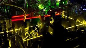 Un nuevo reloj atómico es tan preciso que es capaz de medir cambios en el  espacio-tiempo