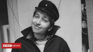 Photos of a young Bob Dylan seen for the first time - BBC News