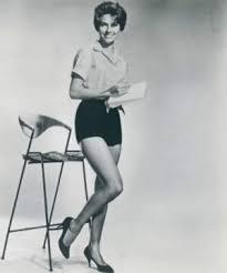 Jacqueline Beer - FamousFix.com post