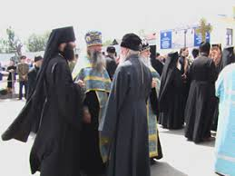 orthodox priests wear over