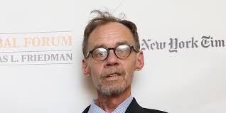 David Carr's Daughter, Erin Lee Carr, Recalls Her Dad's Life ...