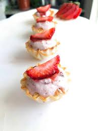 strawberries n cream phyllo ss