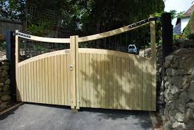 Timber Entrance Courtyard And Driveway Gates Jacksons Security Fencing