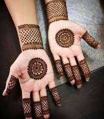 Simple Circle Mehndi Designs For Hands