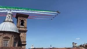 Appendino e Cirio si godono le Frecce Tricolori dai balconi ma non ...