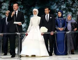 Seyhan'dan Hayata Dair Güzellikler...: Sümeyye Erdoğan'ın Gelinliği