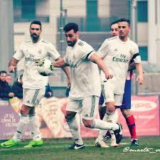 Entrenamiento Deportivo Con Un Ex Jugador Del Real Madrid