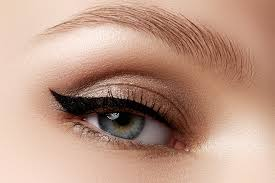 eyeliner string hack is the only trick
