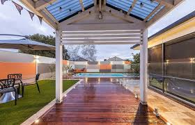 Slimwall Delivers Sleek Modern Pool Fence Modularwalls