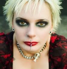 dramatic gothic eye tips lovetoknow