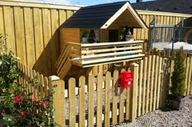Affectionate Diyer Builds Wooden Dog House For His Pooch